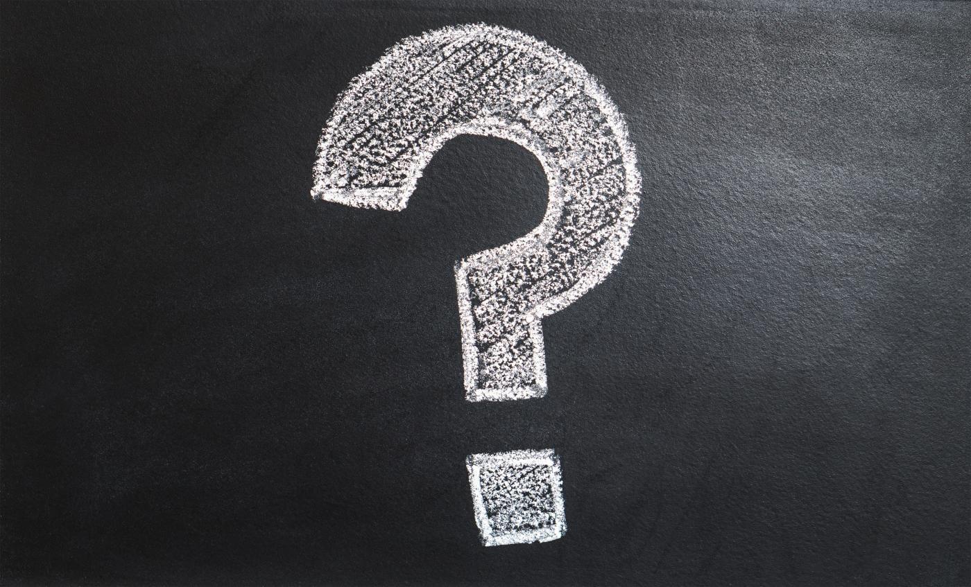 SEO FAQ - Question mark white chalk